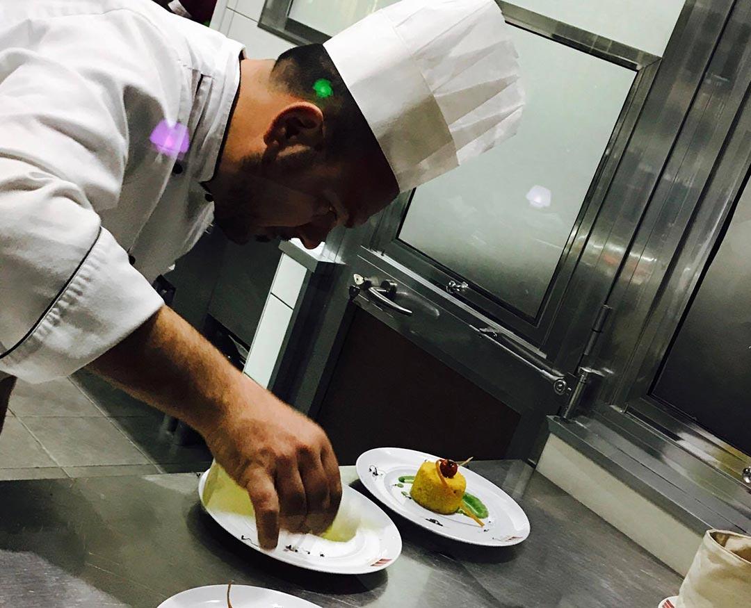 work-chef-hermes-cafe